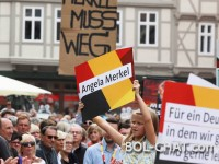 Demonstranti vikali na Merkel, ona im odgovorila.