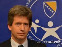 Britanski ambasador: BiH opet u blokadi, zaostaje zbog političara