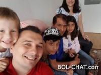 BiH / Mladi političar Nerin Dizdar primio migrantsku porodicu: Nisu agresivni, ne grizu